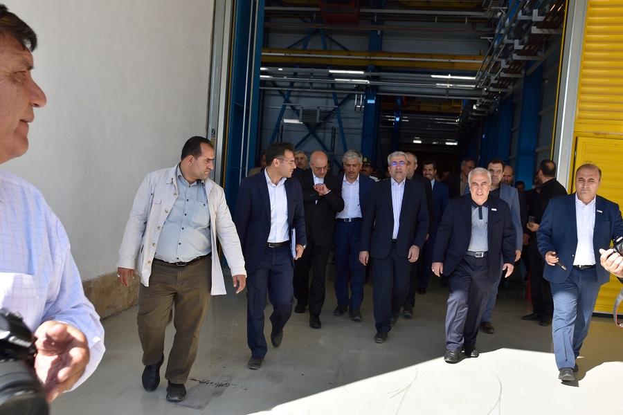 بازدید وزیر نیرو و مدیر عامل توانیر از کارخانجات آریا ترانسفو