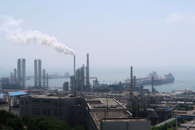 تولید پالایشگاهی چین به پایینترین رکورد ۱۵ ماهه سقوط کرد - مهرشید نیرو •